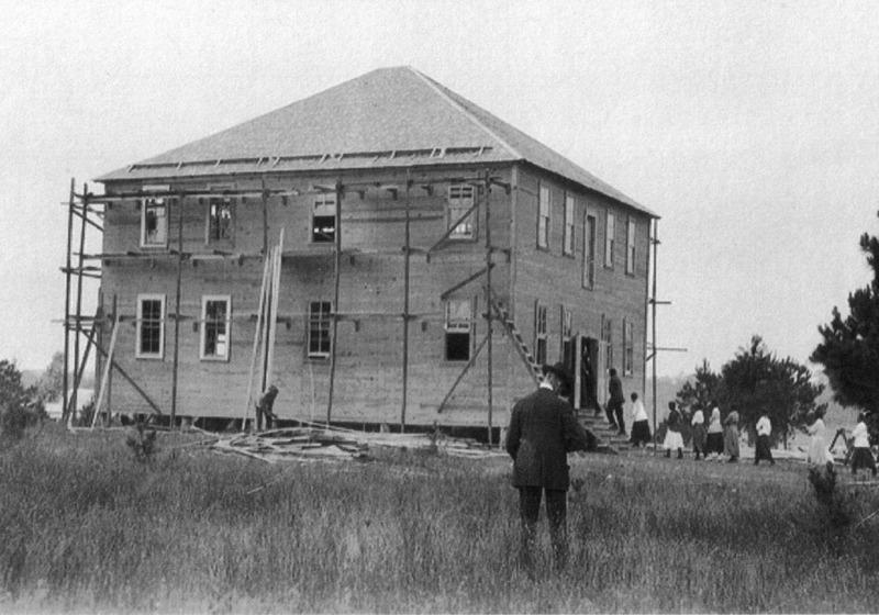 Construction underway in 1916
