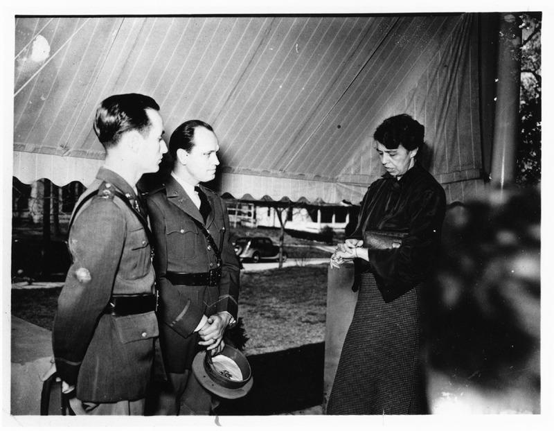 Eleanor Roosevelt and two officers