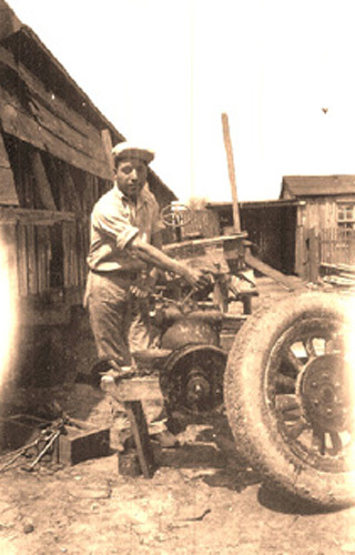 Juan Hernandez, Boettcher's Mill mechanic